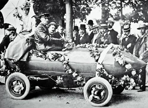La Jamais Contente, premier véhicule de l'histoire à passer les 100km/h