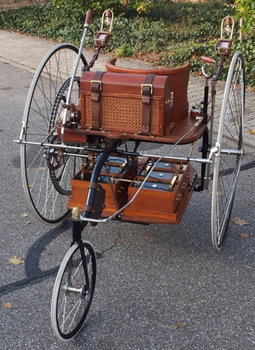 La voiture électrique d'Ayrton et Perry