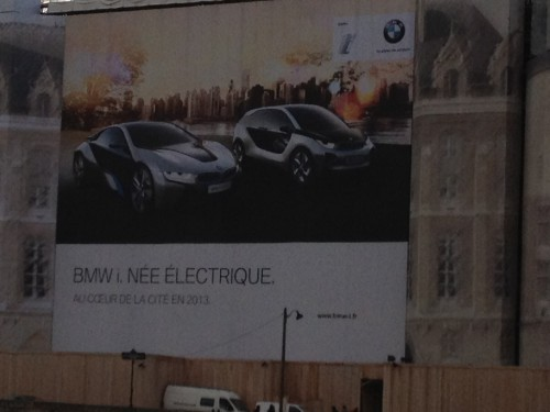 L'affiche de BMW à Paris pour i3 et i8