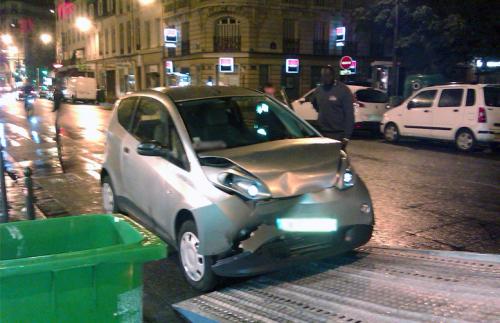 Accident d'une voiture Autolib'