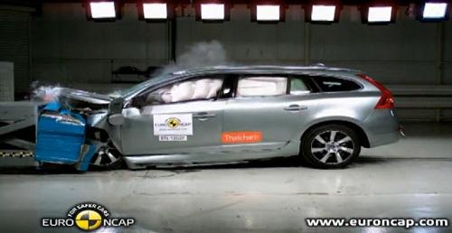 La Volvo V60 Plug-in au Crash-test