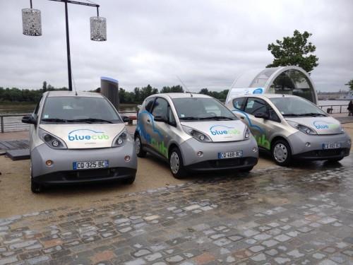 Les voitures électriques Bluecar pour Bluecub Bordeaux