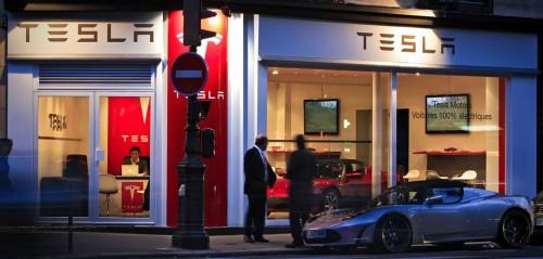 Le Store de Tesla à Paris avenue Kléber va fermer