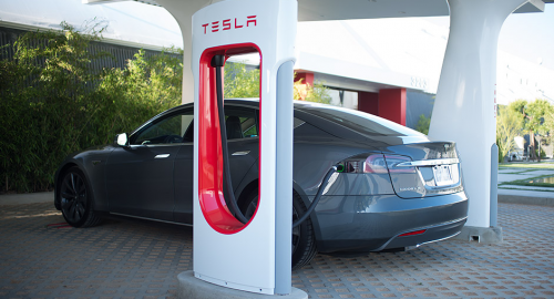superchargeur Tesla arrive en France