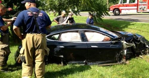 accident tesla model S