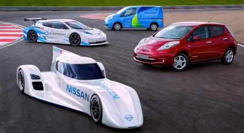 Cinqu voitures électriques Nissan