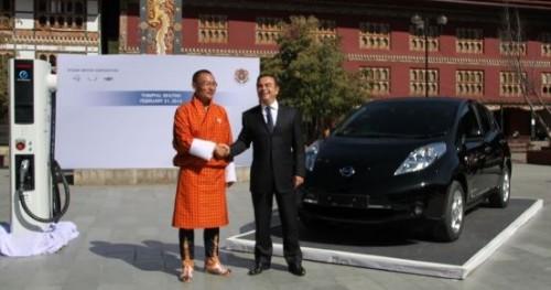 Les voitures électriques Renault et Nissan au Bhoutan