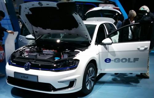 La VW Golf éle au salon de l'auto 2014ctrique