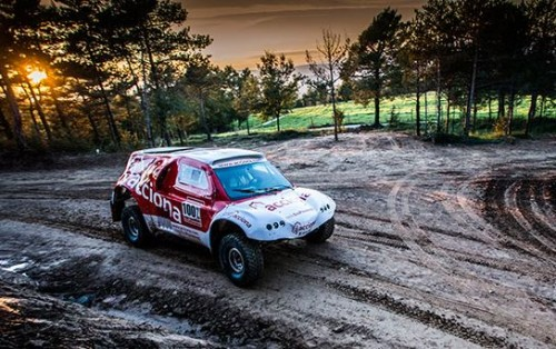 Acciona : une voiture électrique au Dakar 2015