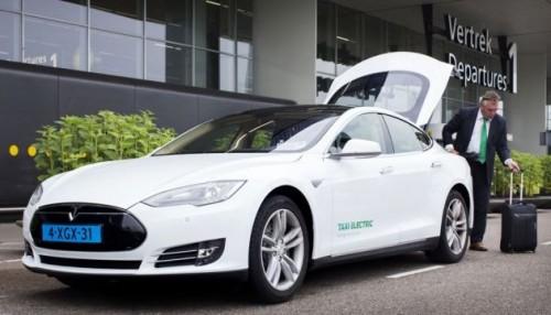 La voiture électrique autonome pour les taxis