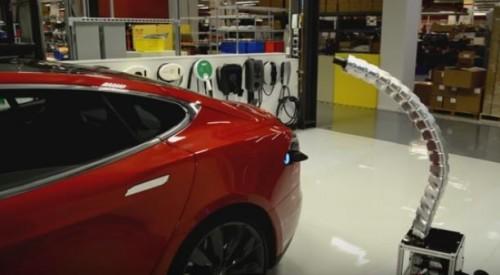 prise snake de Tesla pour la recharge des voitures electriques