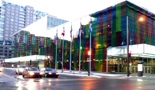 Des bornes de recharge pour voitures electriques dans les rues de Montreal