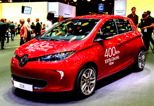 L'avenir de la voiture passera par l'électrique - Page 11 Renault-zoe-40-400km-500x345